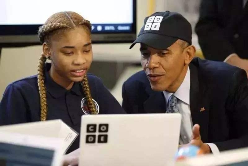 奥巴马亲自教女儿编程